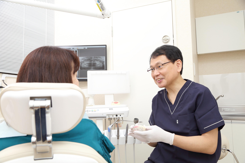 異物感の少ない補綴治療(被せ物・入れ歯)を目指します。